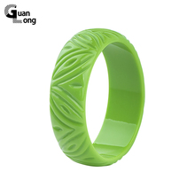 GuanLong Fashion Engrave Carved Resin Bangle Bracelet Jewelry 2017 New Collection Women Puseiras Dropshipping Wholesale(China)