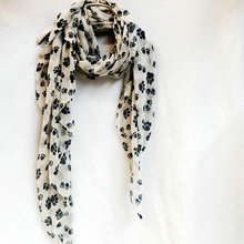 Black Dog Paw Scarf For Dog Lovers Women Animal Dog Footprint Shawls Hihab Spring Winter Soft Wrap Scarves For Souvenirs YK585(China)