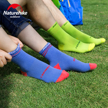 Naturehike NH17A016-W Brand New Scoks for Man Woman Coolmax Comfortable Breathable Durable Soft Anti slip Sports Socks Medium