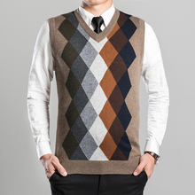 2016 New Arrival Fashion Design Mens V-Neck Diamond Argyle Pattern Cashmere Sweater Vest
