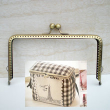 K091 fall in love with Coin Purse DIY powder box 15*8 cm square long leg Metal Purse frame Kiss Clasp DIY accessories 2pcs/lot