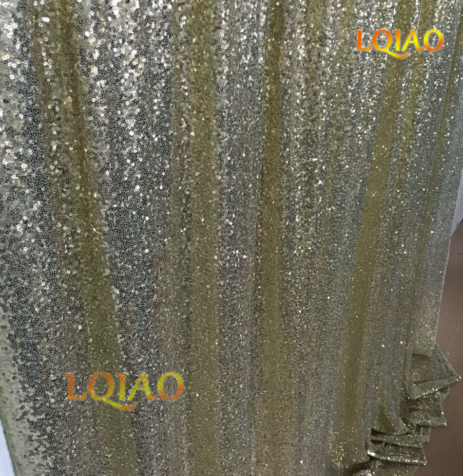 Light Gold Sequin Backdrop-004