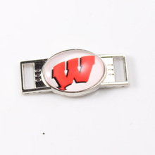 12Pcs NCAA Series Fashion Jewelry Wisconsin Badgers Logo Charm For Shoelace Sport Shoes Paracord Bracelets Decoration
