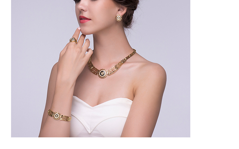 AYAYOO African Dubai Jewelry Sets 2018 Nigerian Gold Color Jewellery Sets For Women Wedding Imitation Crystal Necklace Set (4)