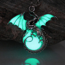 Game of Throne dragon Punk Luminous Dragon Pendants & Necklaces GLOW in the DARK dragon amulet Sweater Chain Gift ancient(China)