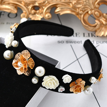 2017 New Baroque Hairband Black Velvet Headband White Rose Flower Hair Band Accessories Women Pearl Jewelry Bridal Hair Ornament