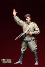 Unpainted Kit  1/ 35 Red Army Officer with gun soldier   figure Historical WWII Figure Resin  Kit Free Shipping