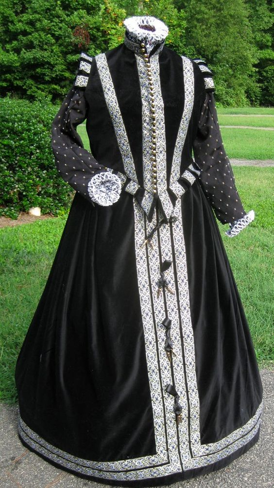 Elizabethan dress Tudor Period Gothic Faire Tudor dress cosplay costume queen Elizabethan dress costume