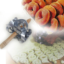 Tv products Wooden handle Donuts Mold/Aluminum Alloy Combine circular shaped hollow-type cake tools(China)