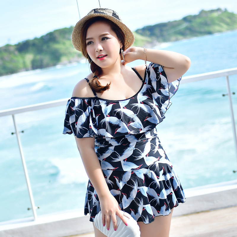 New bathing suit female one-piece swimsuit skirt show thin covering belly big yards conservative boxer come swimwear women<br>