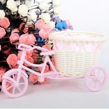 Wicker floats romantic mini BMX bike floral baskets crafts is idyllic home furnishings accessories