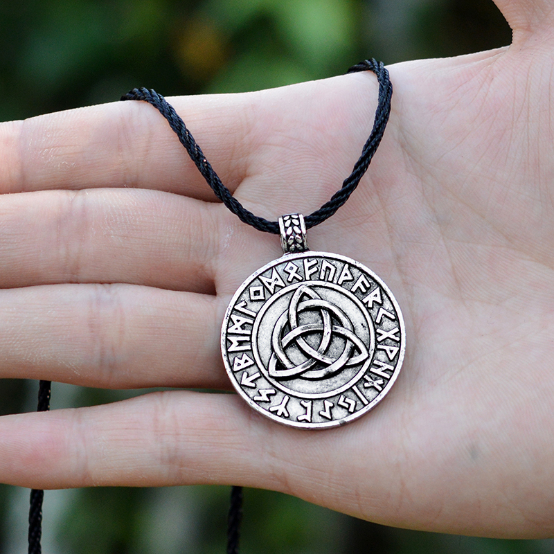 QIHE-JEWELRY-Viking-necklace-Circle-trinity-pendant-necklace-Valknut-necklace-Viking-norse-rune-jewelry-Gift-for(2)