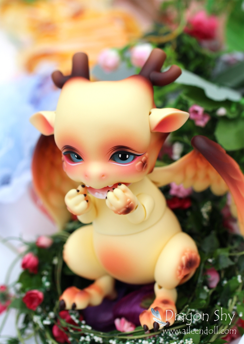 Free shipping !free makeup&amp;eyes included!top quality 1/6 bjd doll baby toy mini dragon Doll Aileendoll shy fantasy animal hobbie<br><br>Aliexpress