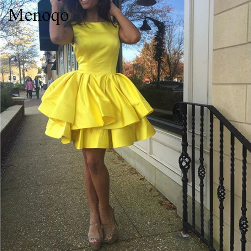 Hot Sale Yellow Satin Ruffles Ball Gown Homecoming Dresses 2018 Graduation Dresses Scoop Mini Formal Party Gowns-