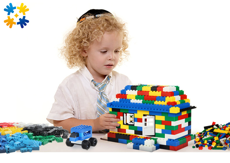 Fashion Building Blocks 500pcs DIY Creative Bricks Toys for Children Educational Compatible with major brand blocks <br><br>Aliexpress