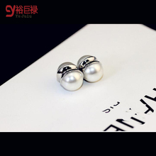2016 New 2pcs/1sets No Hole Round Natural pearl stud earrings Magnetic Magnet  Earrings For Women Girl Gift Punk loves earrings