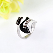 New Arrival Punk Style Personality Exaggeration European Lovers' Black White Color Oiled Guitar Ring Jewelry(China)