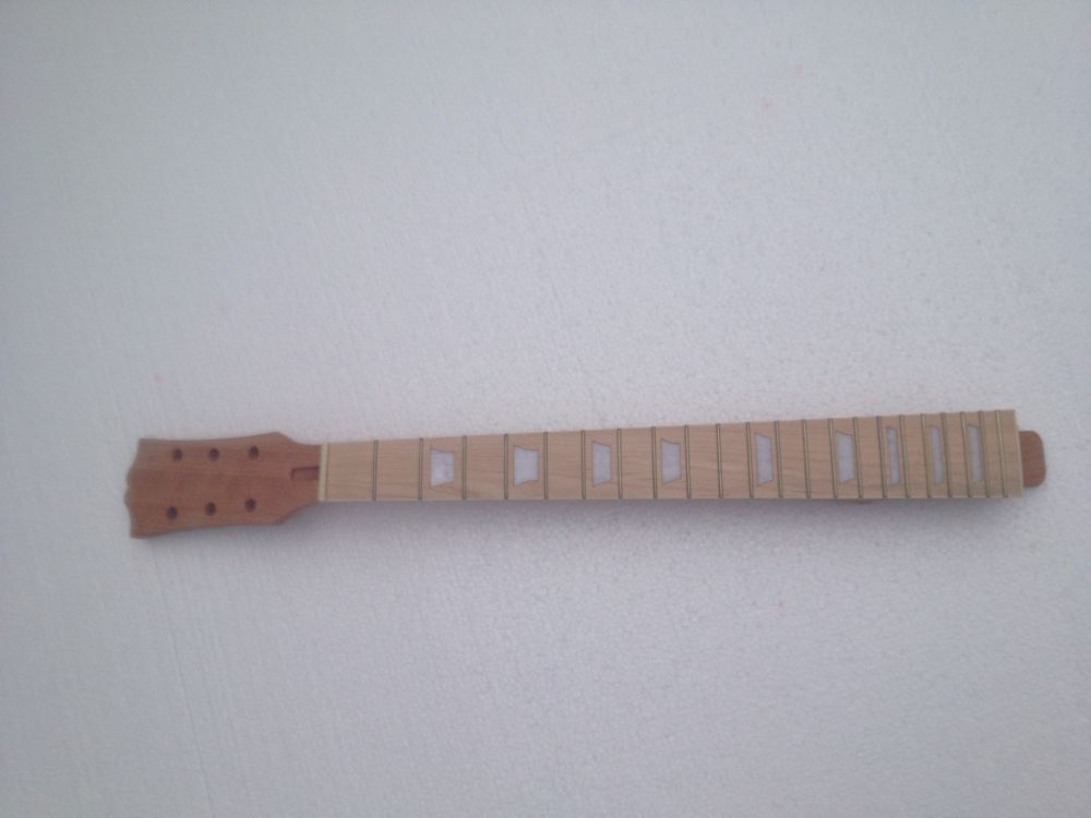 Unfinished electric guitar neck  maple made &amp; maple FINGERBOARD 1 pcs<br>
