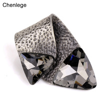 chenlege 2017 vintage brooches for women new design retro metal brooch & pin scarf clip charms female pin wholesale(China)