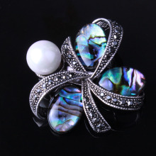 Retro clover brooches with abalone shell Black Gun Plated Simulated Pearl Brooch for women