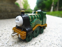 TT03-- Learning Curve Thomas & Friends Take N Play  Metal Diecast Emily Toy Train New Loose