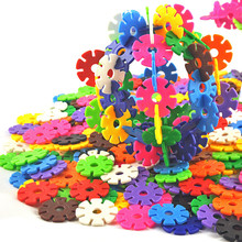300pcs/set 12 kinds of color large snowflake children's educational toys fight inserted blocks Model Building Kits(China)