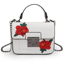 SKLEAF 2017 new embroidery flowers lady shoulder bag chain lock catch women messenger bags pu leather mini handbag