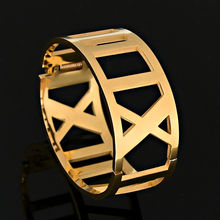 Summer Style Delicate Hollow Roman Numeral Bracelets & Bangles Stainless Steel Bangle Women Vacuum Plating Bangle