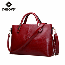 DOLOVE 2017 new women bags crocodile grain messenger bags fashionable hand the bill of lading shoulder aslant female bag(China)