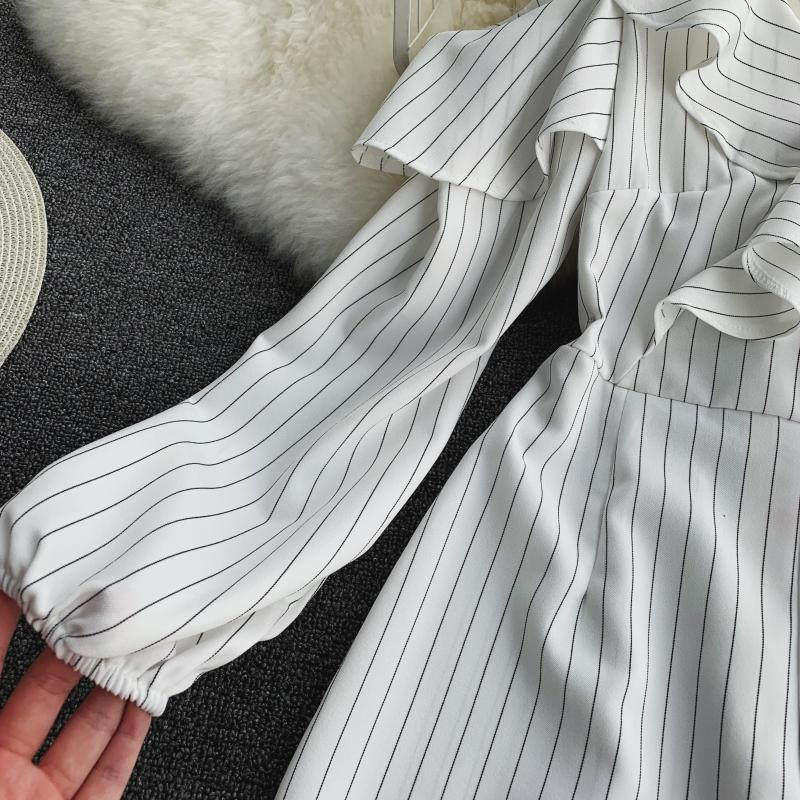 Spring Summer Jumpsuit for Woman Women's 2019 New Heart Machine Lotus Edge V-neck Long Sleeve High-waist Stripe Short Overalls 21