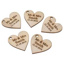 30 Pieces Personalized Engraved Wood Hangs Love Heart Centerpieces Wedding Table Decoration Favors Customized Candy Tags