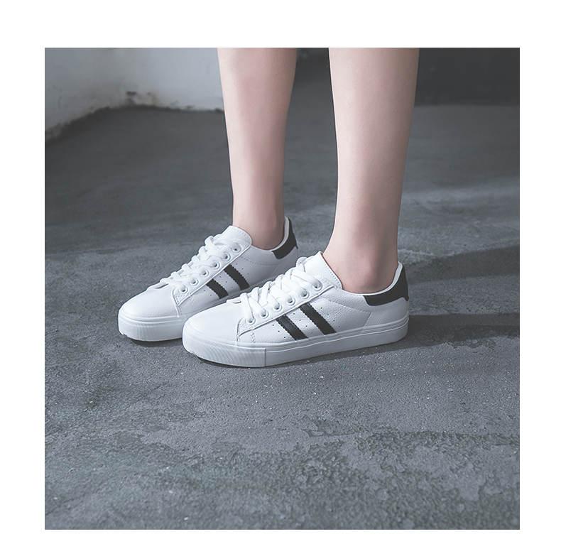 حذاء نساء لون ابيض 31