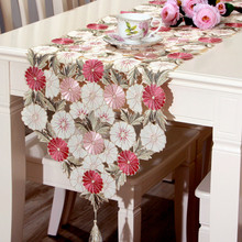 Chinese Style Pastoral Embroidered Pink Flowers Decorative Table Runner Handmade Hollow Decorative Cover(China)