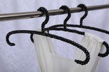 Export hanger racks beads opening plastic hangers wholesale clothing store display rack(China)