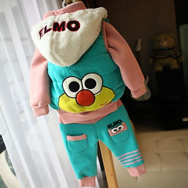 Anlencool Free Shipping Winter Baby Set New Children Ducklings Sweater Vest Fitted Three-piece Clothes Plus Thick Velvet Suit<br>