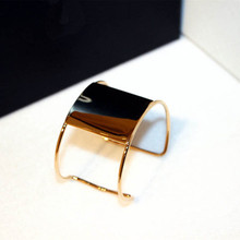 Wide Cuff Big Bracelet For Women New Fashion Jewelry Brand Simple Glossy Opening Bangles Accessories MCS00186