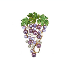 Pearl Grape fruit fashion pearl brooch pines metalicos womens costume jewelry brooches for wedding bouquets