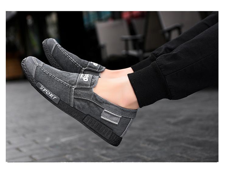 Sportlikud mustad või sinised kingad meestele