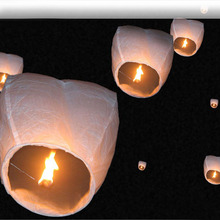 200 pcs White Sky Fire Chinese Lanterns Flying Paper Wish Balloon for Wedding Festival Christmas Party Outdoor Flying Fire Lamps(China)