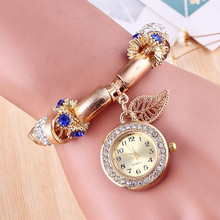 Hot Sale Fashion Diamond Leaves Pendant Metal Bracelets Watches Women 2017 Design Gold Alloy Ladies Watch Gift Montre Femme