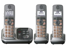 3 Handsets KX-TG7731 1.9 GHz Digital wireless phone DECT 6.0 Link to Cell via Bluetooth Cordless Phone with Answering system(China)