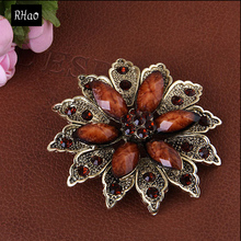 cheap Vintage Jewelry resin Flower Shape Brooches pins for women Free Shipping(China)