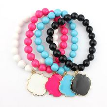 Personalized Beads Bracelets Enamel Disc Monogram Quarefoil Charm Stretch Beaded Bracelet for Initial Monogrammed Jewelry(China)