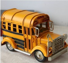 071122  The American school bus bus retro delicate clothing store Windows partition decoration car model