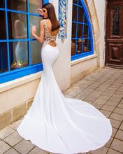 Fashion Bridal 2017 Sleeveless Bateau Neck Lightly Embellished Elegant Chic Modern Mermaid Wedding Dresses Low Back Chapel Train