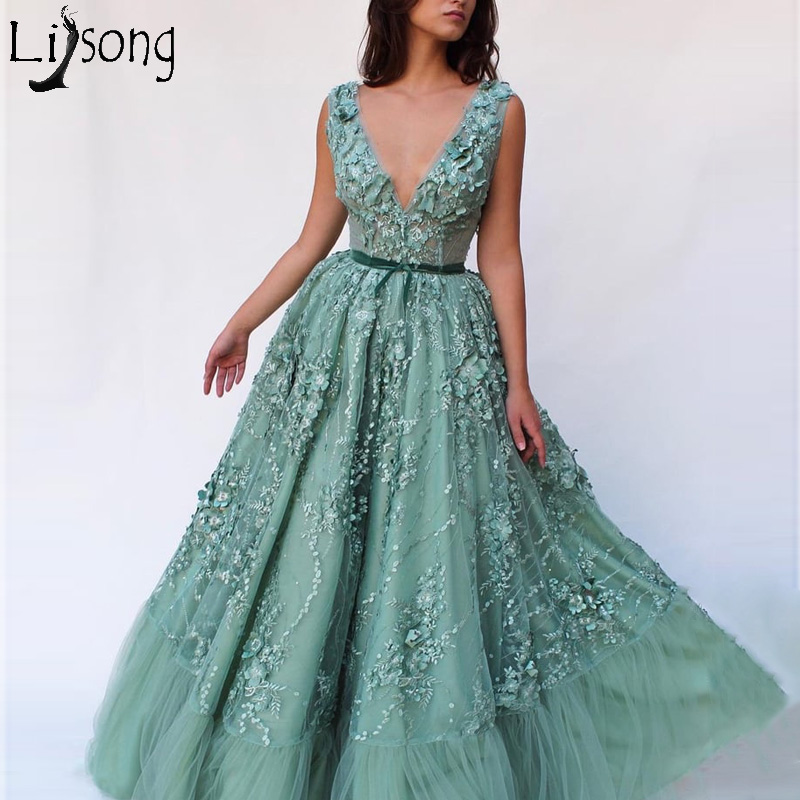 2019 New 3D Floral Long Evening Dress V Neck Sleeveless Appliqued Tulle Prom Dresses Green Open Back Elegant Party Wear Custom