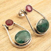 Red rubi & Green Emeralds 2 Gem STUD Earrings 3/4 Inches ! Silver Plated Jewelry