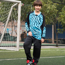 GoalKeeper Football Uniforms Survetement 2017 Kids Soccer Goalkeeper Jersey Suit Men Sponge Soccer GoalKeeper Training Tracksuit(China)