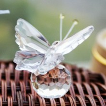 (50Pcs)FREE SHIPPING+Birthday Party Favor With Gift Box Baby Shower Gifts K9 Crystal Butterfly Figurines Crystal Wedding Favors(China)