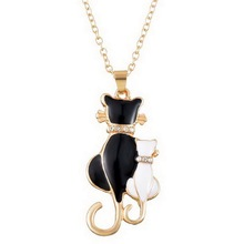 Fashion Women Girl White & Black Two Cat Crystal Pendant Chain Necklace Women Fashion Jewelry Rose/Gold color 1PC